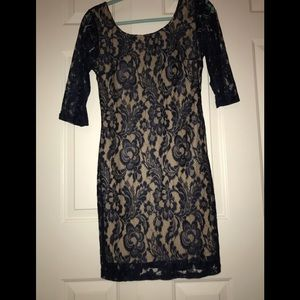 Navy blue lace detailed dress!